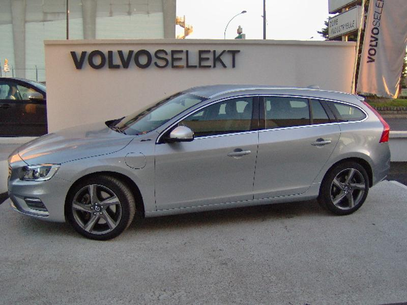 VOLVO V60 D6 AWD Plug-in Hybrid R-DESIGN Geartronic