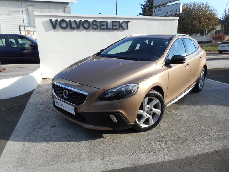 VOLVO V40 Cross Country D3 150ch Start&Stop Summum Geartronic