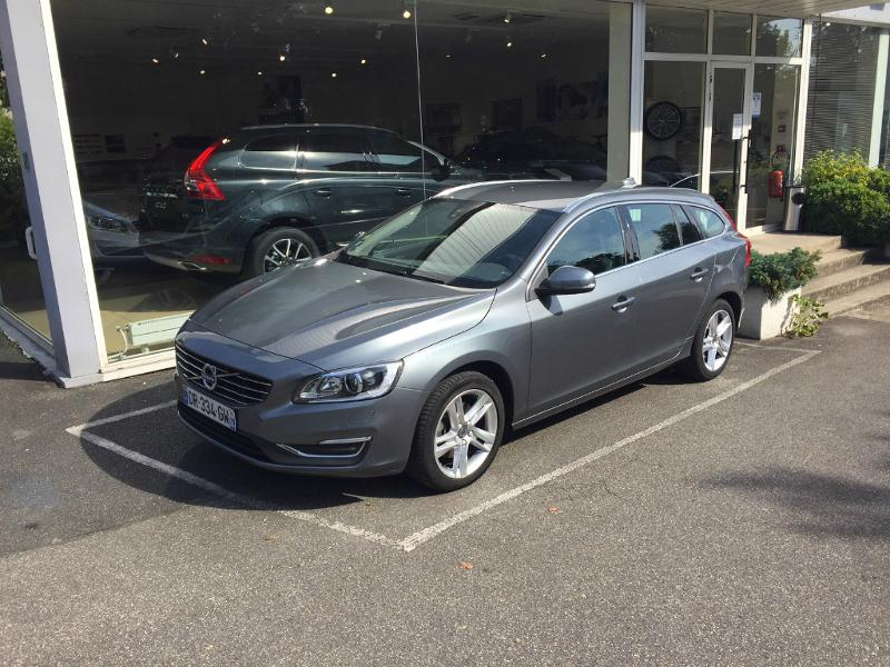 VOLVO V60 D3 150ch Summum Geartronic