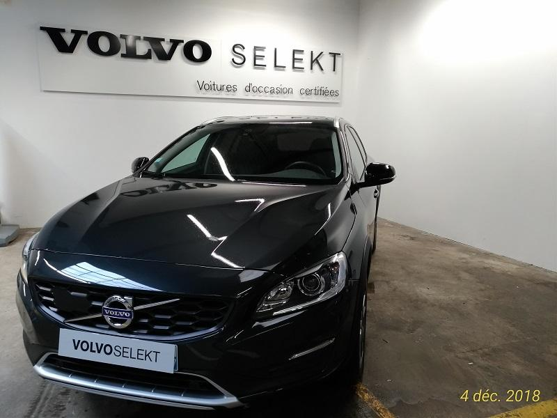volvo v60 cross country d4 190ch summum geartronic elys e automobiles. Black Bedroom Furniture Sets. Home Design Ideas