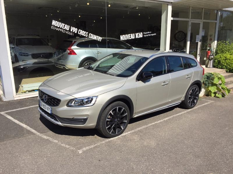 VOLVO V60 Cross Country D4 190ch Summum Geartronic