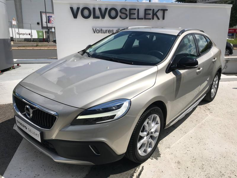 VOLVO V40 Cross Country D2 120ch Luxe Geartronic